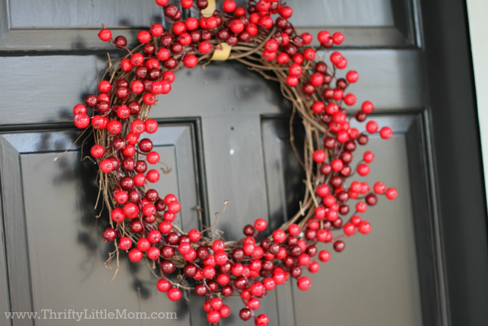 15_Minute_Berry_Christmas_Wreath.jpg