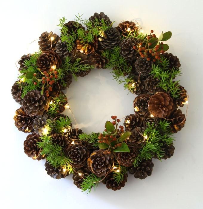 DIY-pinecone-wreath-apieceofrainbowblog-11.jpg